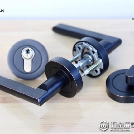 帝珑曼M213S-DY-CB高端静音机械门锁,高端静音、室内一键快速开门的逃生功能、扣盒可调避免卡死锁舌、加州黑古铜