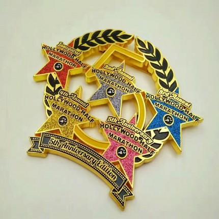 定制高档铜材质金属徽章 狮子会纪念烤漆徽章 北京股票代码标牌