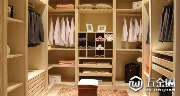 定制衣柜第二步,选对服务避免误区!