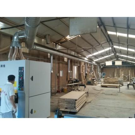 木工厂专用除尘设备,脉冲布袋除尘器,除尘效率高达百分之九十八